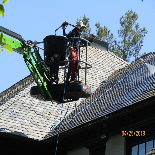Roof Lift Roof Cleaning Service